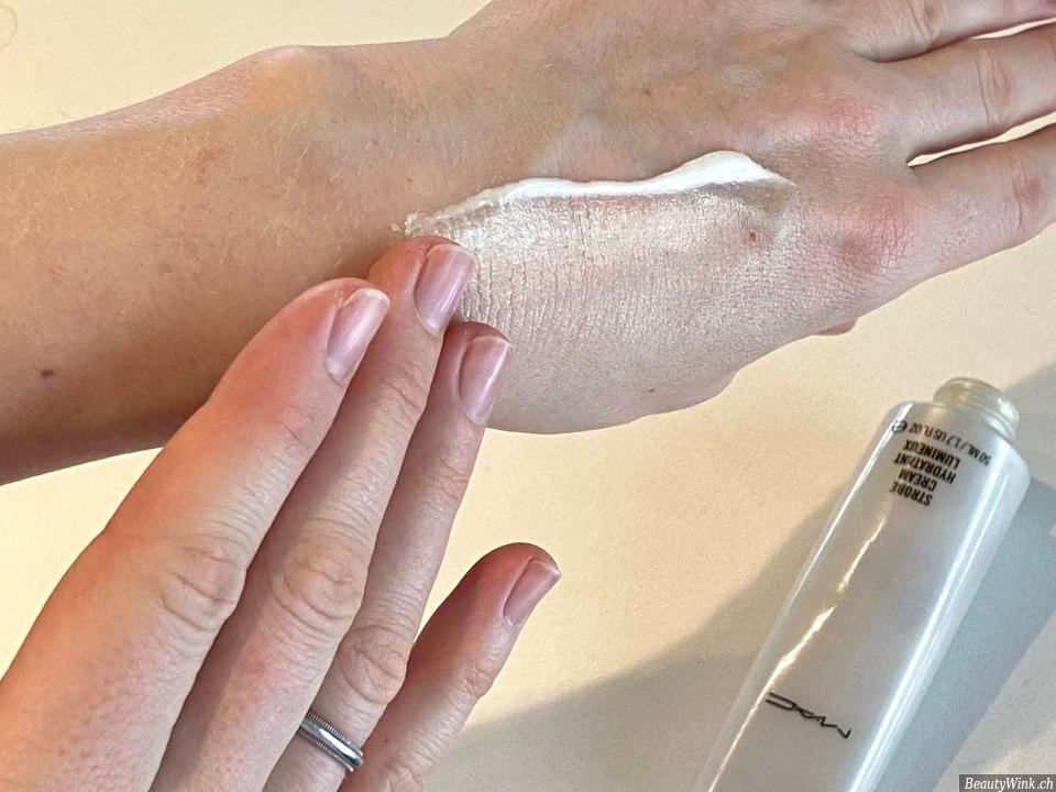 MAC Cosmetics Strobe Cream Anwendung