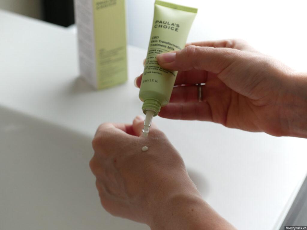 Paula's Choice CBD Skin Transformative Treatment Milk Konsistenz